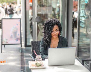 personal finance blogger